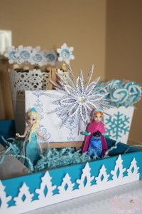 Anna & Elsa sweet table